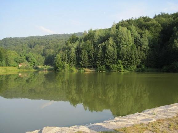 Radaljsko jezero je raj za pecaroše