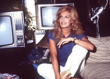 Dalida: biografia wybitnej piosenkarki przed premierą filmu