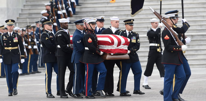 Tak żegnali prezydenta Busha. Zobacz, kto się pojawił na pogrzebie