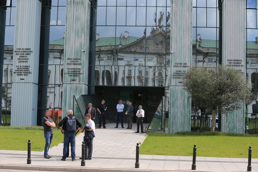 Groza w Warszawie. Ewakuowano Sąd Najwyższy i IPN