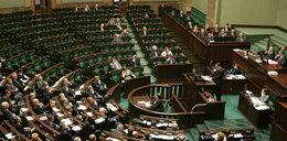 Mobilizacja w Sejmie. Posłowie przerywają urlopy