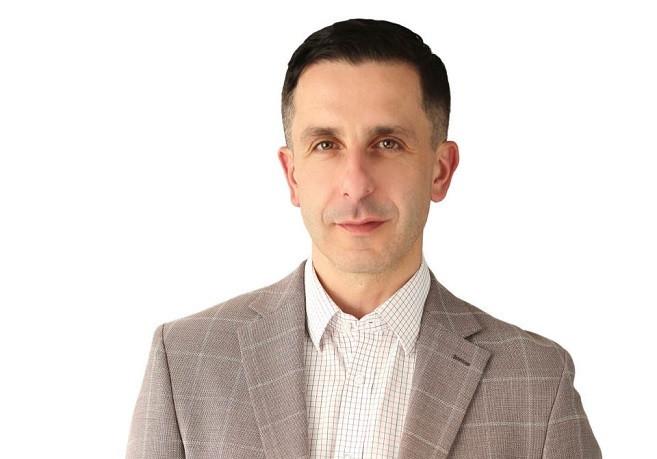 dr hab. n. med. Tomasz K. Wojdacz studia rozpoczął na Uniwersytecie Śląskim w Katowicach, doktorat w medycynie otrzymał od Fakultetu Nauk o Zdrowiu Uniwersytetu w Aarhus w Danii w 2010 r., a habilitację od Pomorskiego Uniwersytetu Medycznego w Szczecinie w 2019 r.
