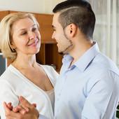 Ona je starija od njega 30 godina, vole se i dobro se slažu. Da li verujete u to?
