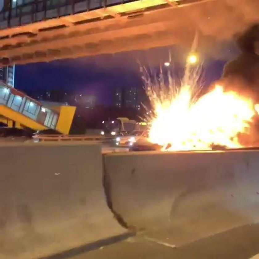 Moskwa. Auto eksplodowało na ruchliwej ulicy
