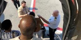 Koszmar pasażerów w samolocie. Nie mogli wyjść z samolotu, przyjechali lekarze