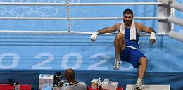 Tokio 2020. Wkurzony werdyktem pięściarz wyżył się na kamerze i okupował ring. WIDEO