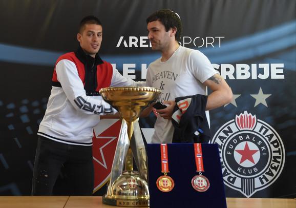 Pozdrav kapitena, Vujadin Savić i Vladimir Stojković