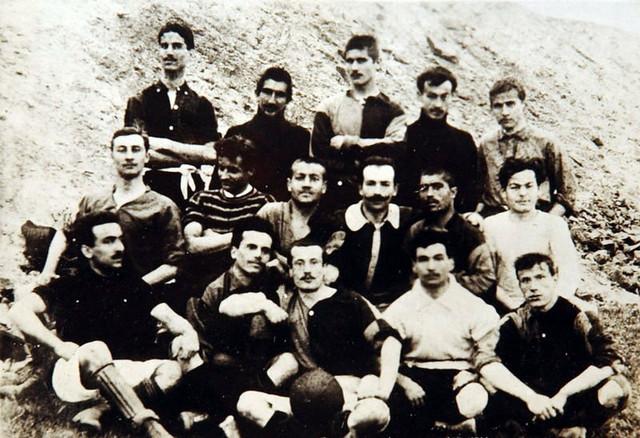 Milo Bakić (treći u gornjem redu) i Ali Sami (drugi u donjem redu)