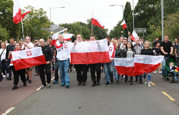 Marsz milczenia w Harlow, upamiętniający śmierć zabitego Polaka. EPA/SEAN DEMPSEY Dostawca: PAP/EPA.