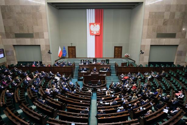 Sejm przyjął we wtorek ustawę wyrażającą zgodę na ratyfikację decyzji o zwiększeniu zasobów własnych UE.