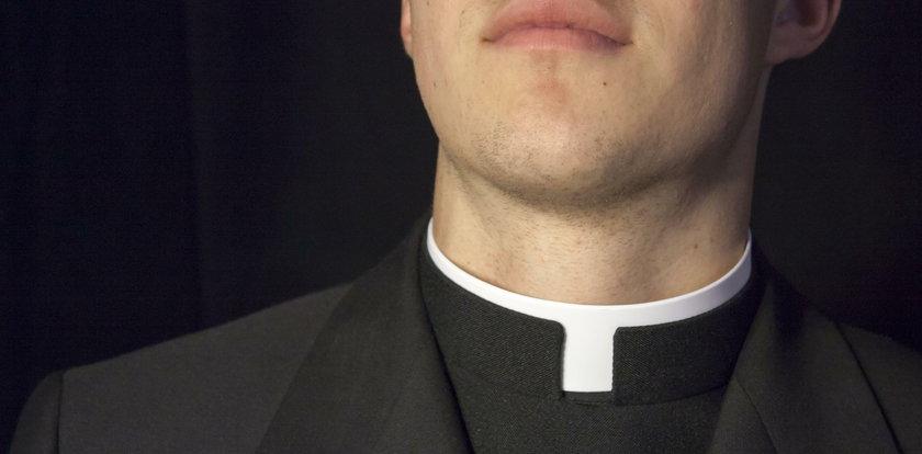 Zwyzywał księdza, bo jest księdzem. Na koniec uderzył w twarz