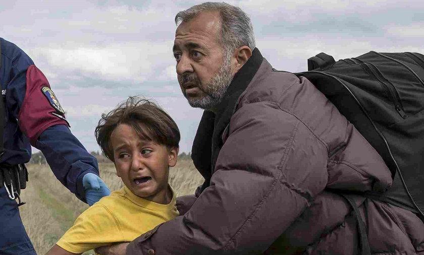 """""""Jak mam jej wybaczyć?"""" Syryjski ojciec o dziennikarce, która skopała jego dzieci""""Jak mam jej wybaczyć?"""" Syryjski ojciec o dziennikarce, która skopała jego dzieci"""
