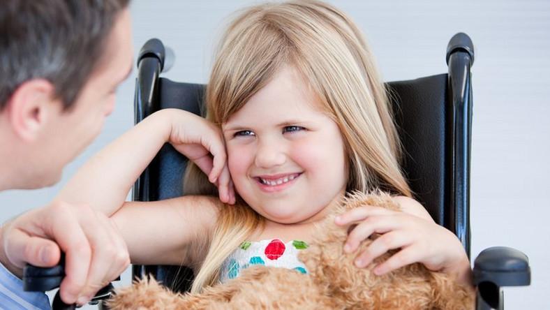Prawo do zasiłku ma szansę uzyskać więcej rodzin z niepełnosprawnymi dziećmi