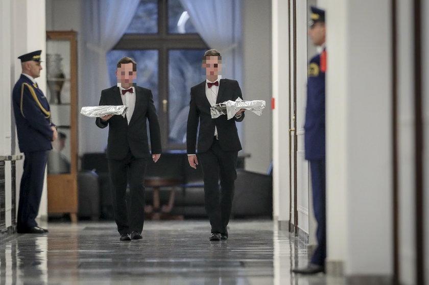 Kolejne bizantyjskie zakupy w Sejmie! Nawet kelnerów wystroją za nasze!