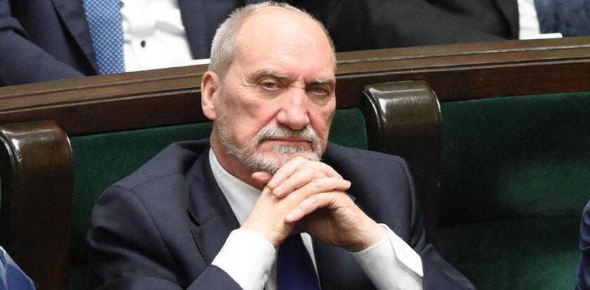 Antoni Macierewicz o katastrofie smoleńskiej: raport mówi o przynajmniej dwóch eksplozjach