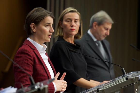 Ana Brnabić, Federika Mogerini i Johanes Han danas u Briselu