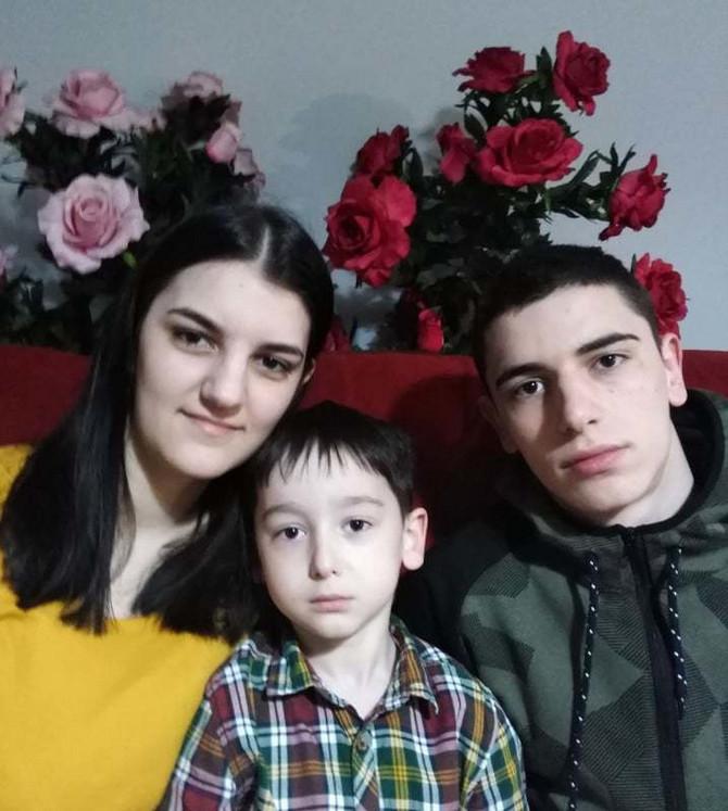 Snežanini sinovi i ćerka