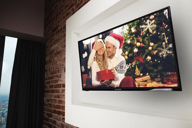 TV Hykker na ścianie