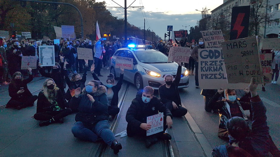 Protest przeciwko zaostrzaniu przepisów aborcyjnych w Łodzi