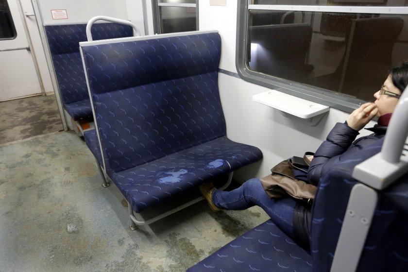 Pasażerowie SKM skarżą się na brud w pociągach