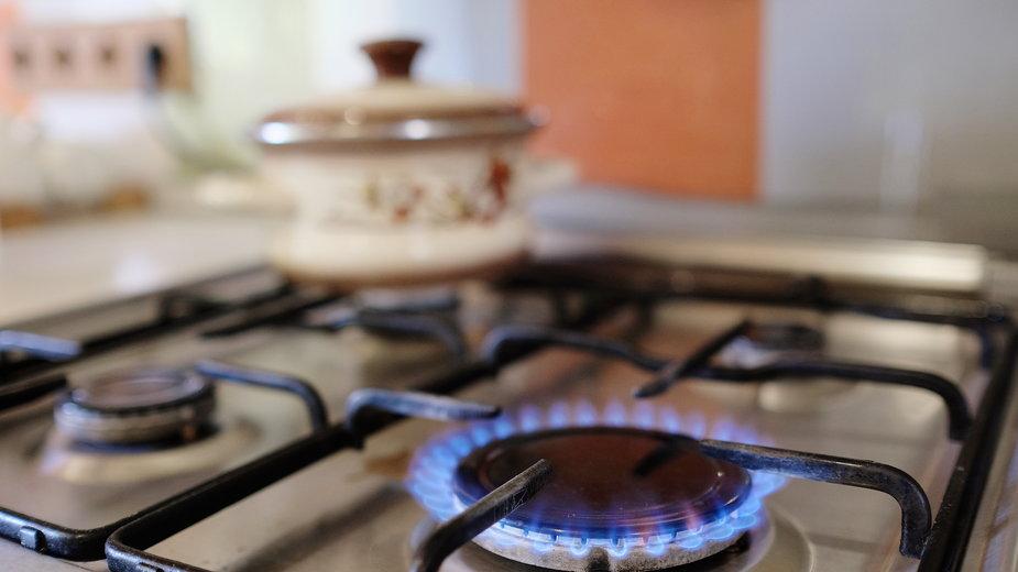 Po zalaniu dysze kuchenki gazowej należy dokładnie wyczyścić - Dmitry Vereshchagin/stock.adobe.com