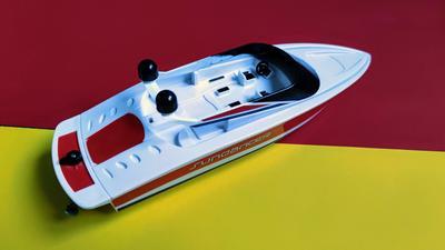 Revell Control Sundancer im Test: Leichtes RC-Boot für Einsteiger