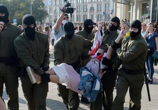 Centrum Wiasna: W niedzielę na Białorusi zatrzymano co najmniej 380 osób