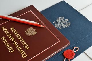 Karczewski: Projekt zmiany w konstytucji ws. 2 senatorów dla Polonii jest już gotowy