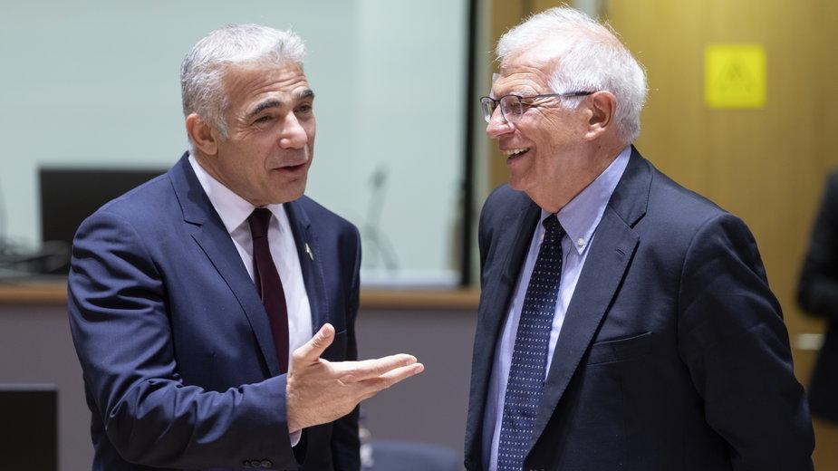 Minister spraw zagranicznych Izraela Yair Lapid i szef dyplomacji UE Josep Borrell podczas spotkania w Brukseli, lipiec 2021 r.