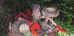 Wypadek w lesie na Podkarpaciu. Ciągnik spadł ze skarpy