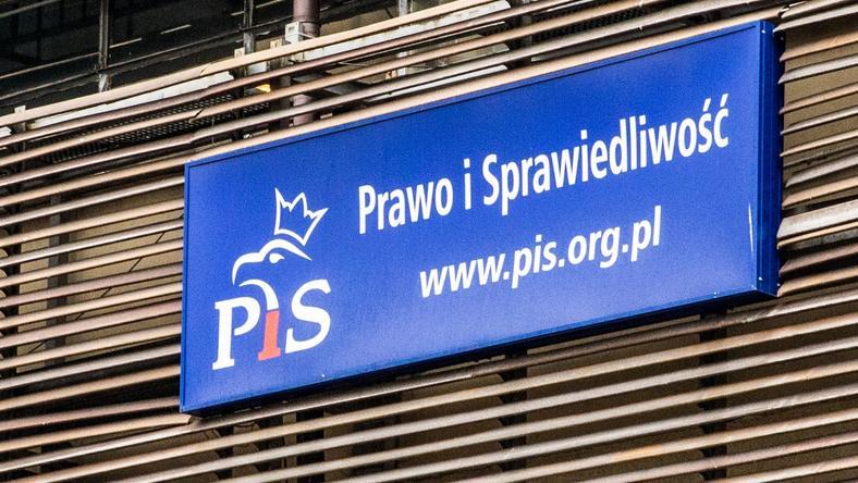 Biurowiec PiS na Nowogrodzkiej ma zostać sprzedany