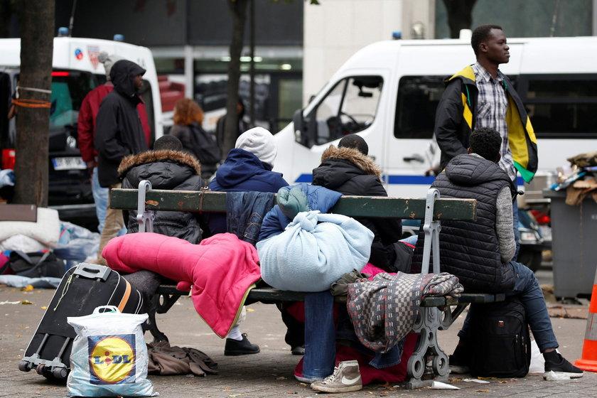 – To nie jest jeszcze zalew uchodźców, ale z każdym dniem ich stale przybywa, co może coraz bardziej nas niepokoić – powiedział Reutersowi zastępca paryskiego burmistrza Colombe Brossel