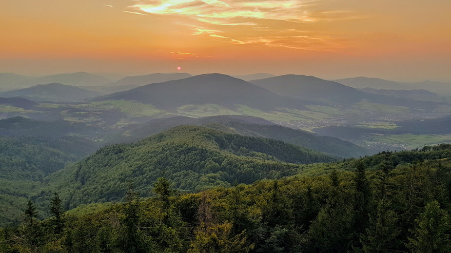 Zachód słońca widziany z Mogielicy
