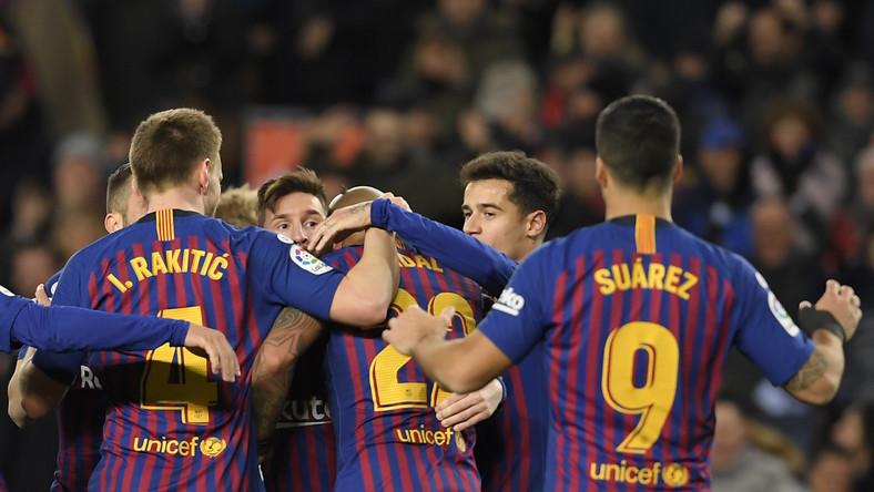 24ececc6f Piłkarze FC Barcelona zagrają w wyjątkowych koszulkach w El Clasico ...