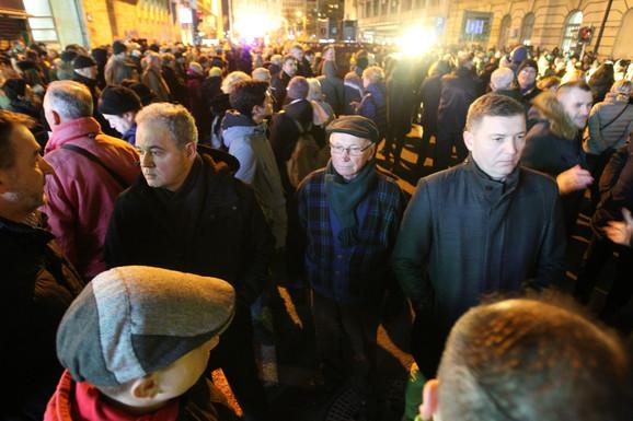 Čelnici Szs među učesnicima protesta: Zoran Lutovac i Nebojša Zelenović