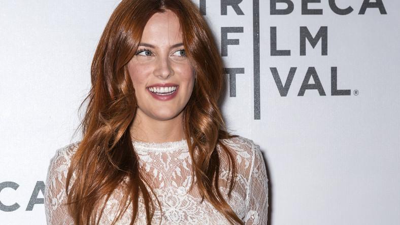 Były partner Kristen Stewart nie zasypuje gruszek w popiele i postanowił leczyć złamane serce nową znajomością z aspirującą aktorką oraz córkę legendy rock'n'rolla i... dobrą znajomą swojej byłej. 27-letniego Roberta Pattinsona widziano ostatnio w Los Angeles w towarzystwie 24-letniej Riley Keough