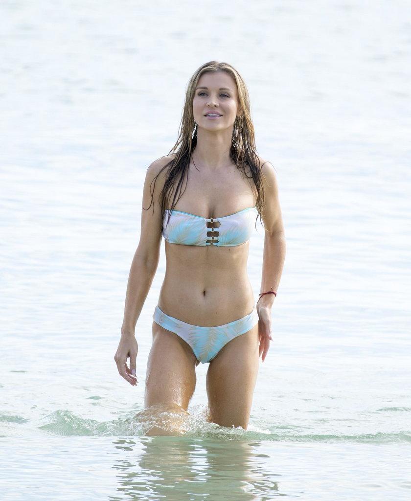 Joanna Krupa w oceanie