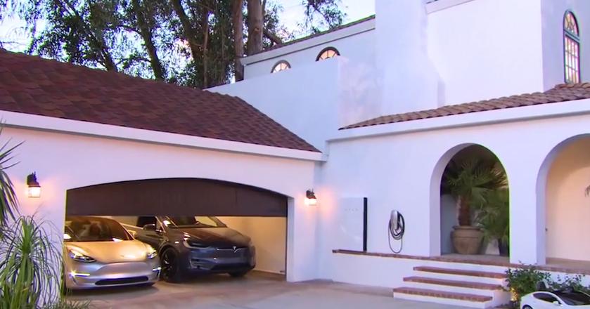 Wszystko, co warto wiedzieć o solarnym dachu Elona Muska