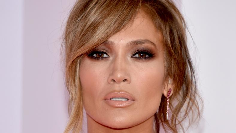 ___9068929___2018___11___4___16___jennifer-lopez-attends-the-2018-american-music-awards-at-news-photo-1048413686-1540994557