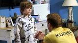 """""""Barwy szczęścia"""" odcinek 2408. Matka Łukasza sugeruje mu, że Kasia ma romans!"""