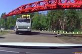 YT_Voz_vs_kamion_vesti_blic_safe