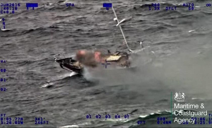 Jacht z Polakami w ogniu. Załoga uciekła z pokładu