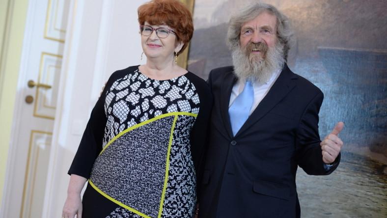 Aleksander Doba z żoną Gabrielą w trakcie uroczystości.