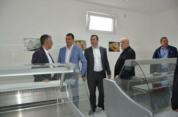 Predsednik opštine Grocka svečano otvorio halu u Umčarima