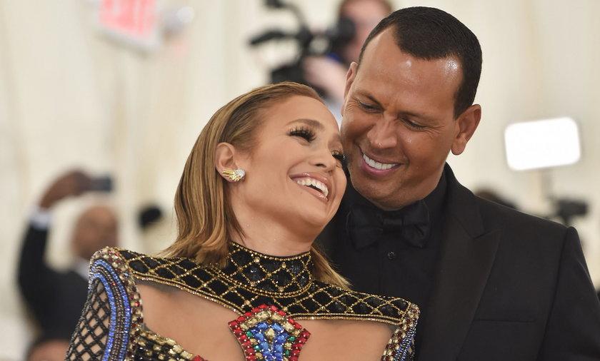 Jennifer Lopez rozstała się z Alexem Rodriguezem. Byli narzeczeni wydali oświadczenie