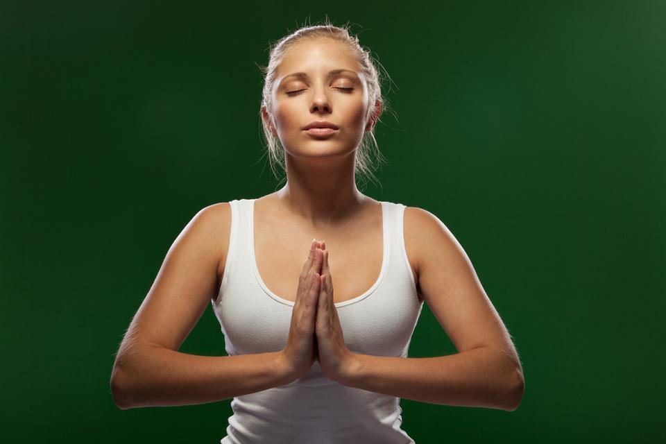Jak ujędrnić biust - ćwiczenie 1.