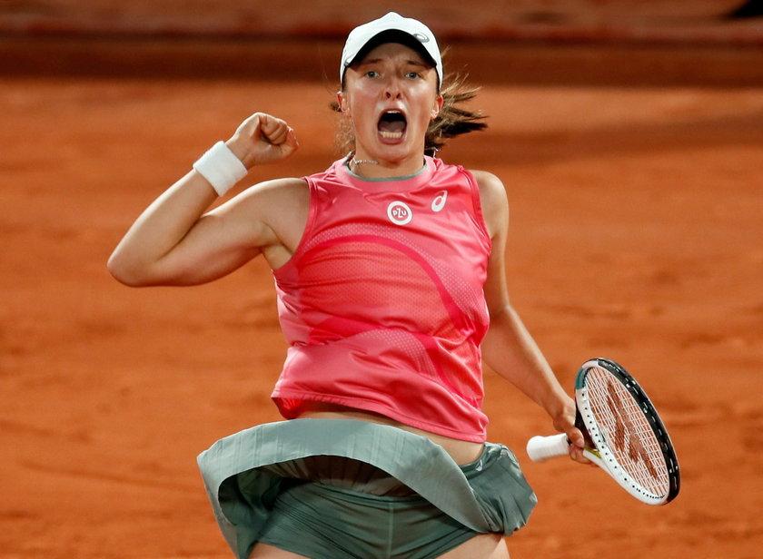 Nasza tenisistka może też zwyciężyć w deblu.