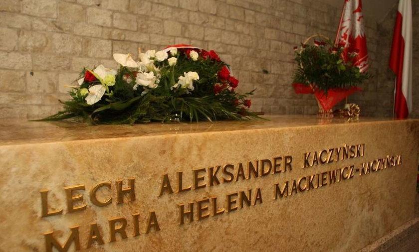 Kaczyński nie odwiedzi grobu brata