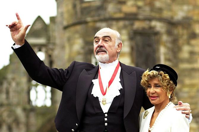 Šon Koneri sa suprugom