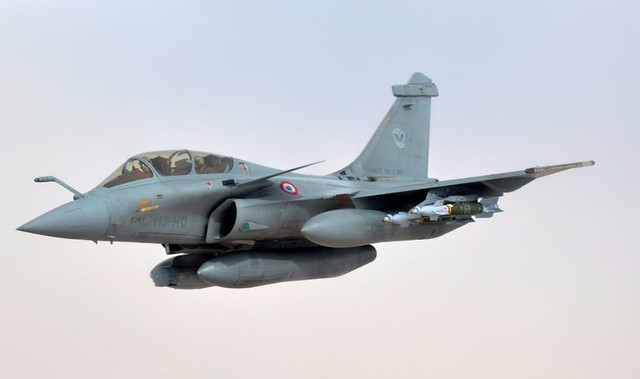 """Dasol rafal"", borbeni avion iz Francuske"